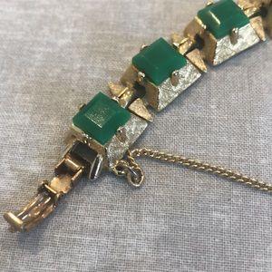 Green Bracelet w/safety chain